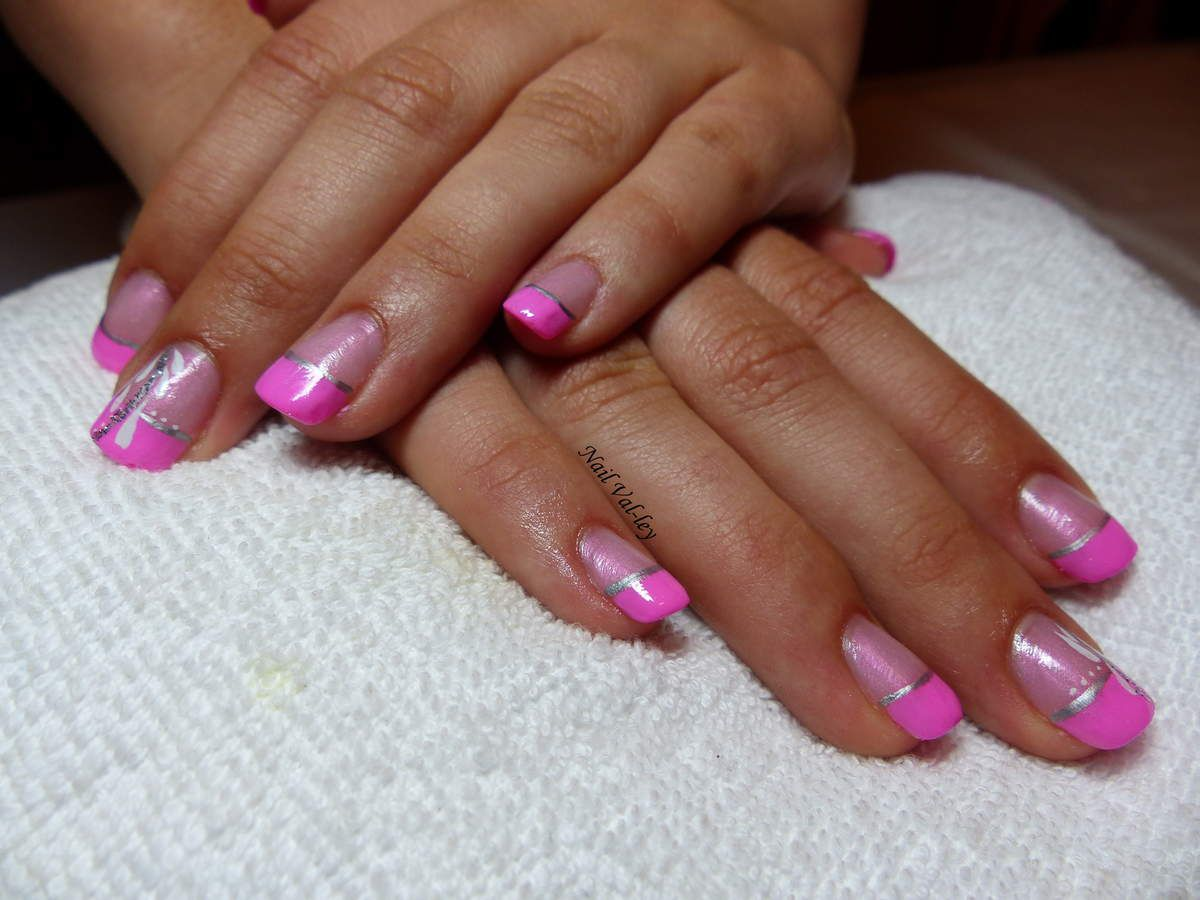 Nail art: Girly Barbie!