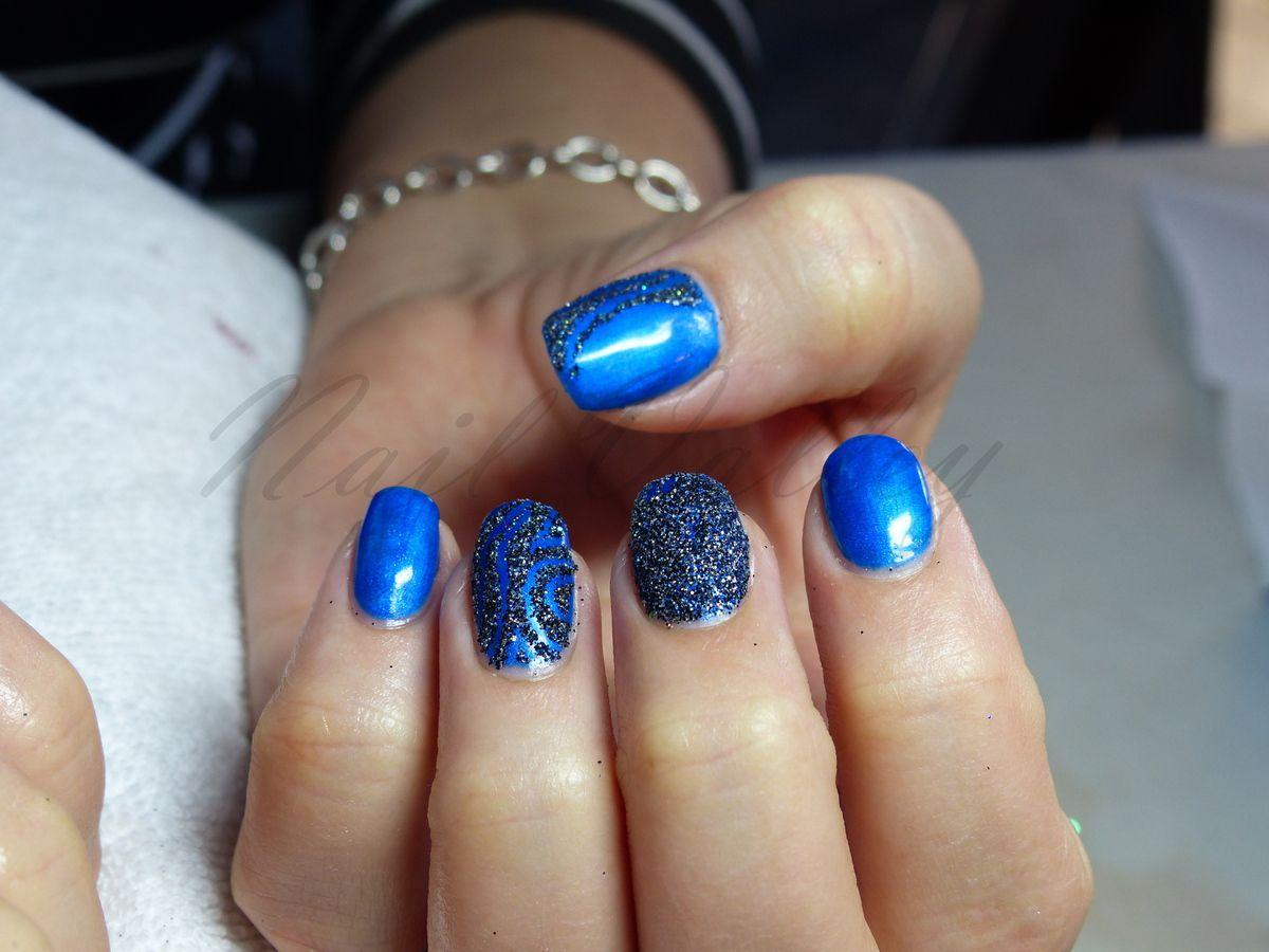 Nail art: Tout en bleu