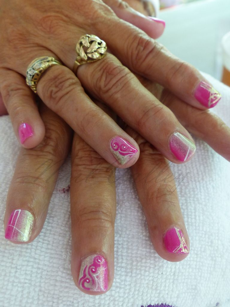 Nail art: Grown up Barbie