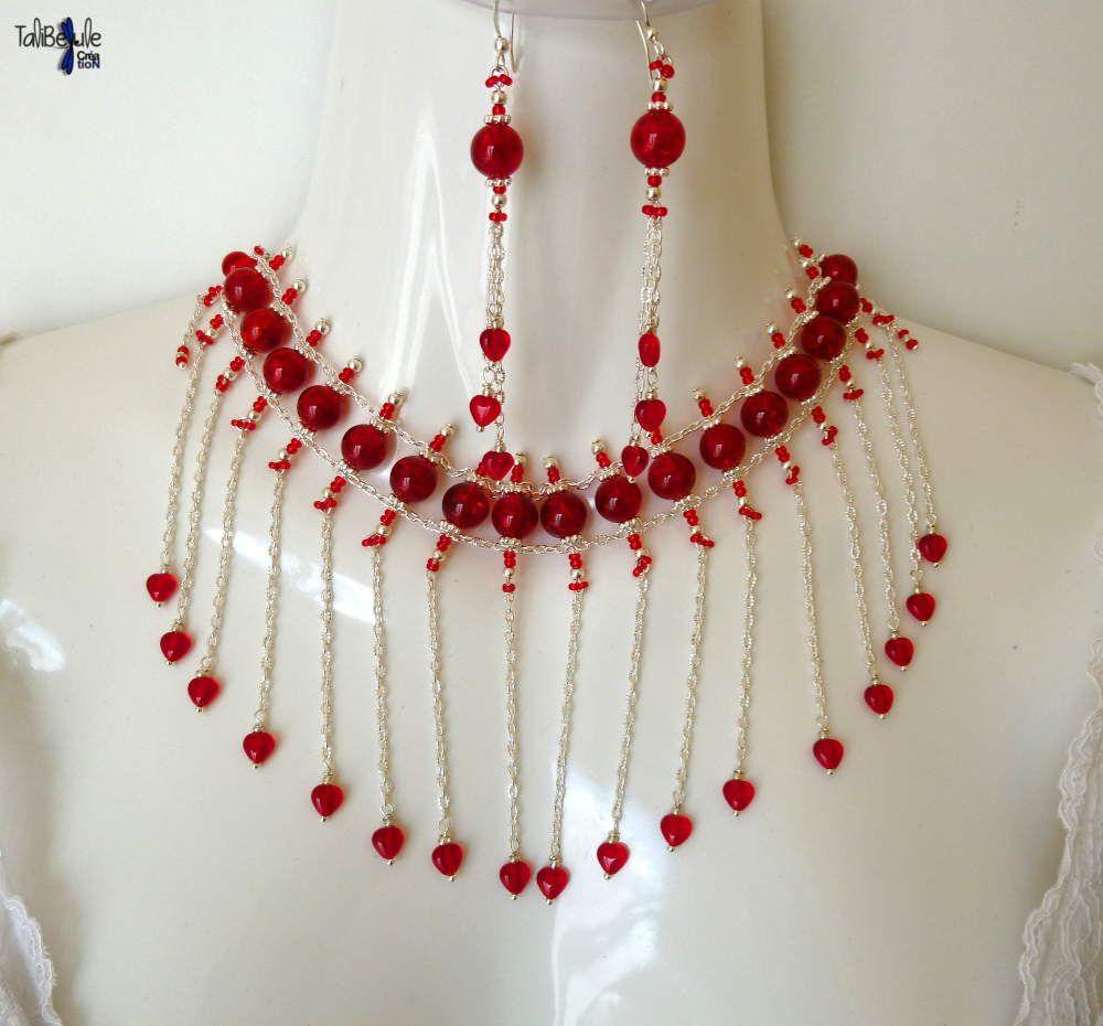 Parure bohème aux perles et coeurs rouges