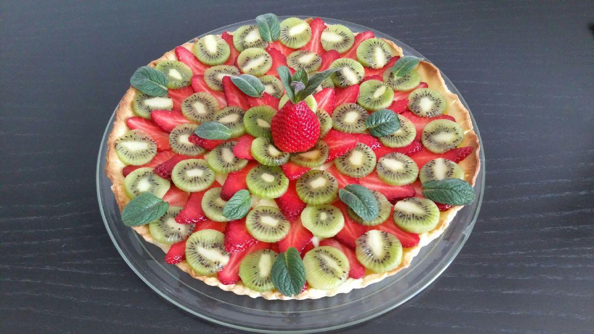 4 - Il ne reste plus qu'à déposer sur la tarte quelques feuilles de menthe et à déguster !