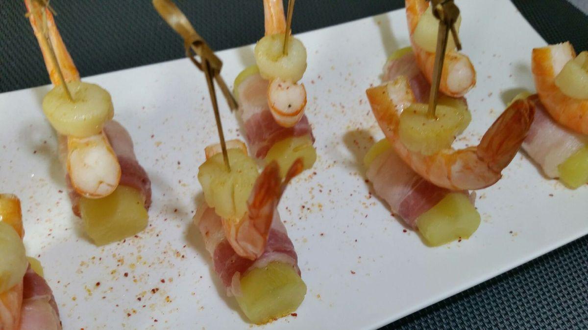 3 - Disposer vos amuses-bouches sur une assiette de service, saupoudrer de sel au piment d'Espelette et servir de suite pour l'apéritif.