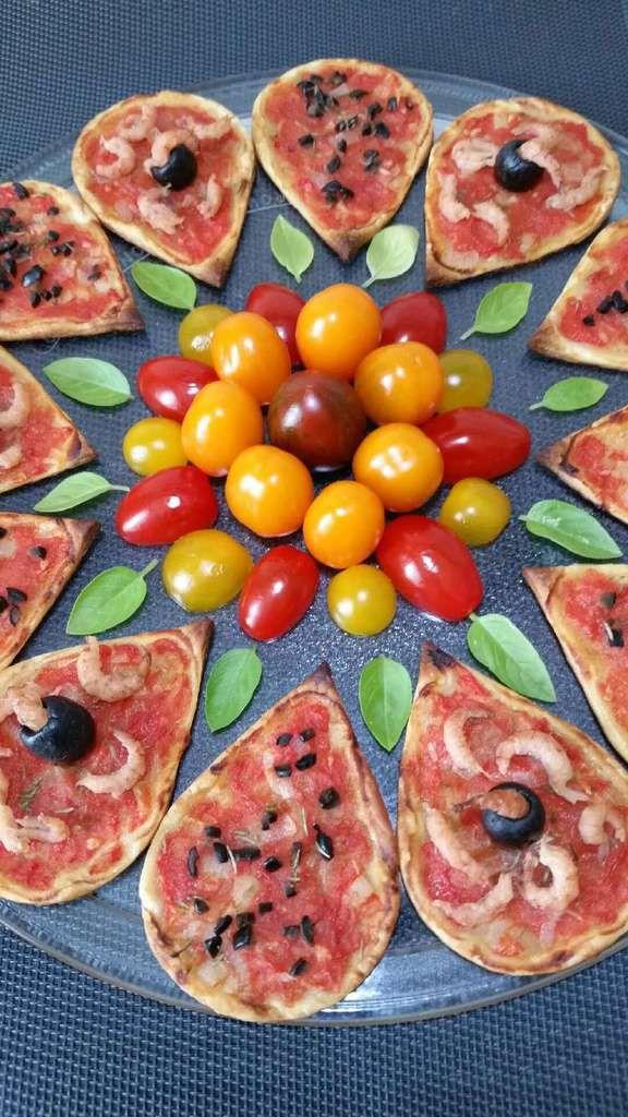 pétales feuilletés tomate-crevettes grises-olives
