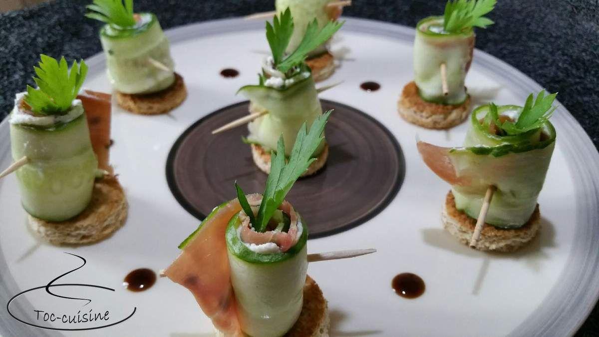 roulés de concombre au jambon Serrano et carré frais sur toasts