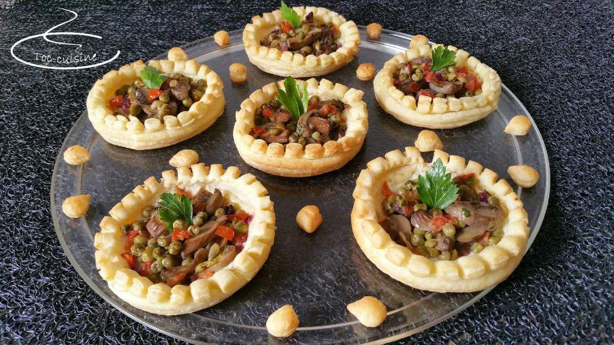 tartelettes en couronne de petits pois champignons et tomates