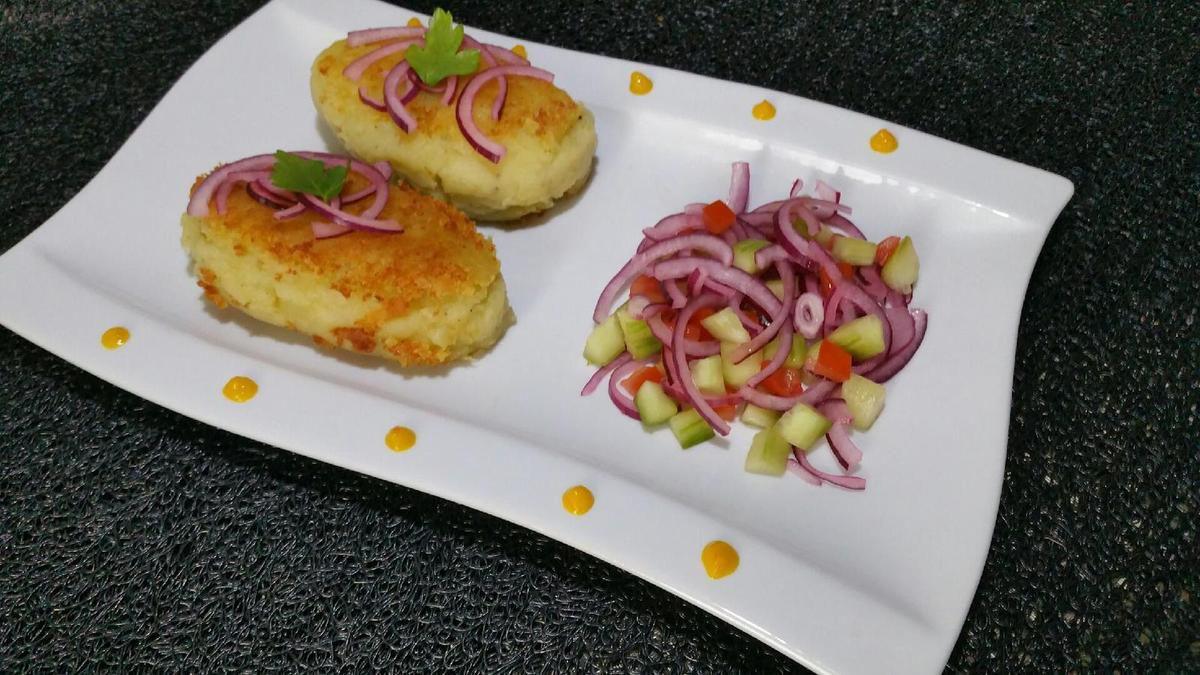 papas rellenas peruanas - croquettes de pommes de terre farcies au poulet et aji du Pérou