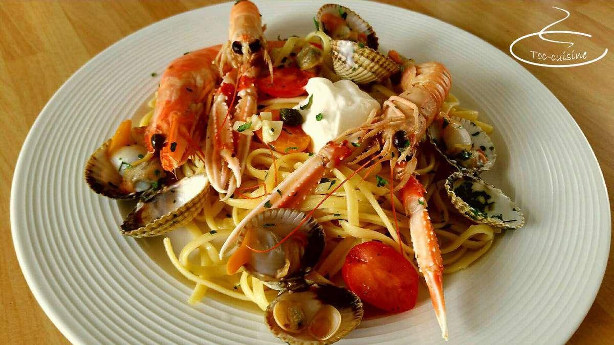 linguine à la sicilienne aux coques, gambas et langoustines