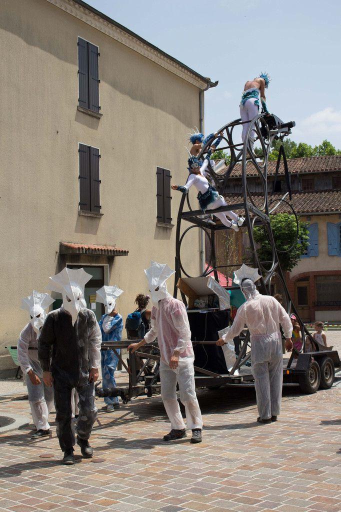 """Parade """"Lunarium"""", Cie La Ô et Miss you&#x3B; costumes par Maria Friese"""