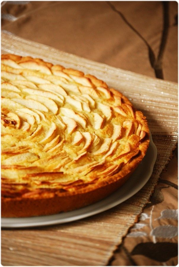 Tarte aux pommes et crème d'amandes