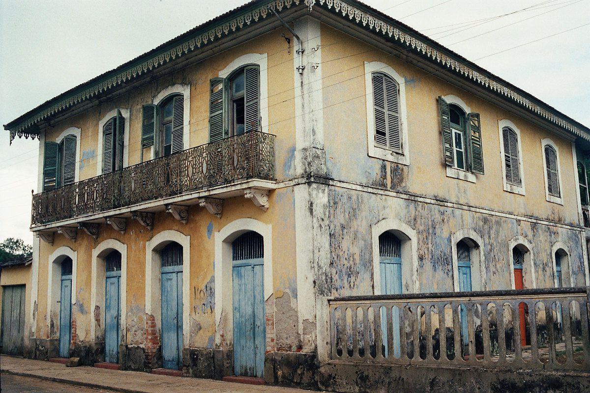 1996 avril São Tome e Principe - La maison déshabitée