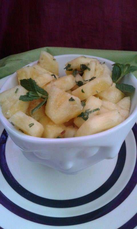 Salade d'ananas au parfum de mojito