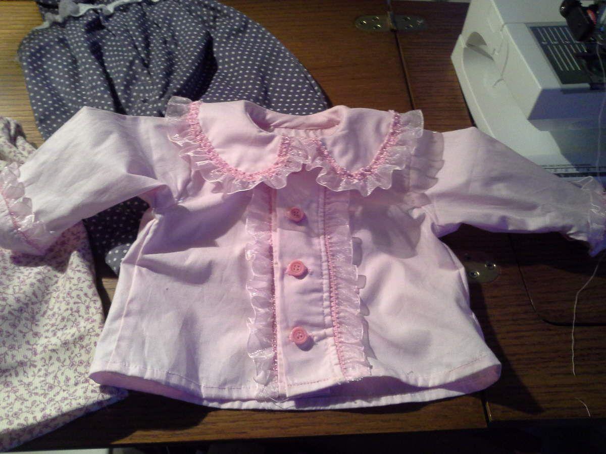 pantalon, chemise, nid d'ange nouveau-né