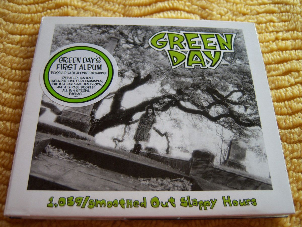 1039/Smoothed Out Slappy Hours - Green Day - CD.