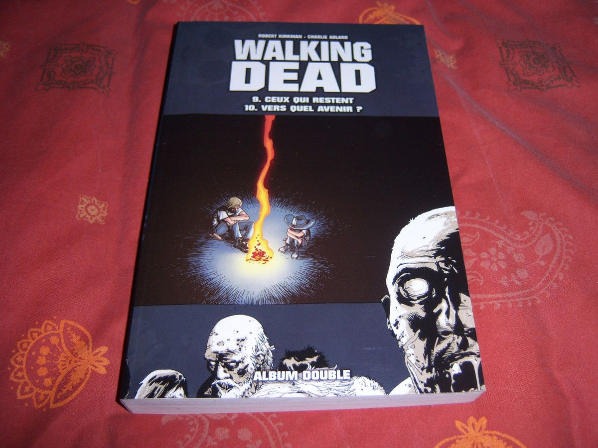 Walking Dead, tome double contenant les tomes 9 & 10.