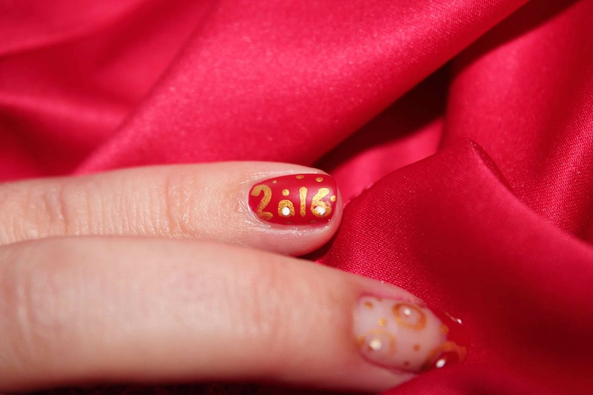 nail art nouvel an 2016, Nail art rouge et or, nail art de fête, happy new year nail art, nail art facile