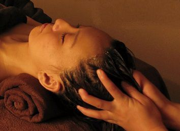 therapeutic and relaxing Asian massage treatments, Located on Madrid, Spain.