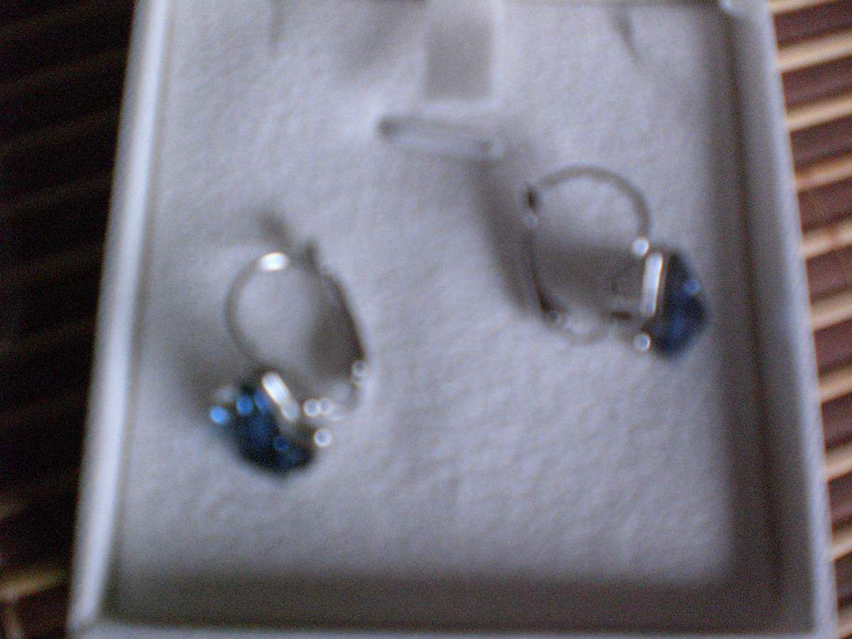 BRILLA Hoop Ohrringe Modische Schmuck Set &quot&#x3B;Butterfly Dream&quot&#x3B; Blau Swarovski Elements Kristall im Test...