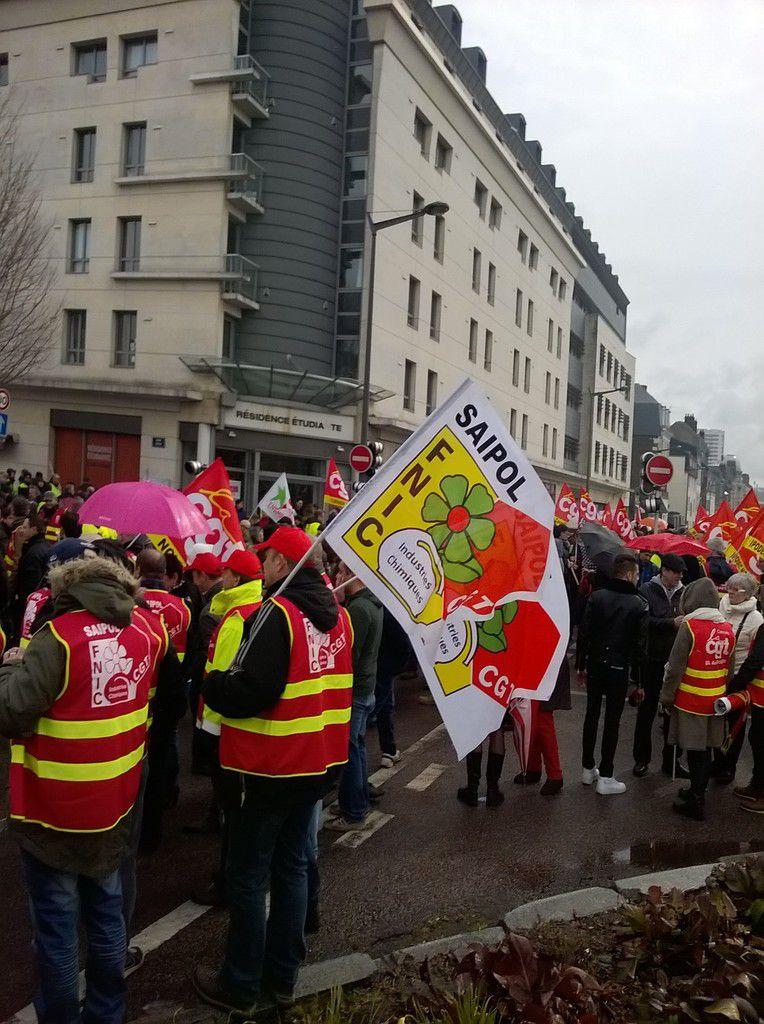 avenue Pasteur de la préfecture au panorama était occupés par les manifestants, exceptionnel!!