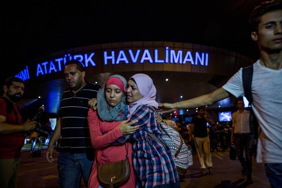 Ascienden a 38 los muertos en el atentado contra un aeropuerto en Estambul
