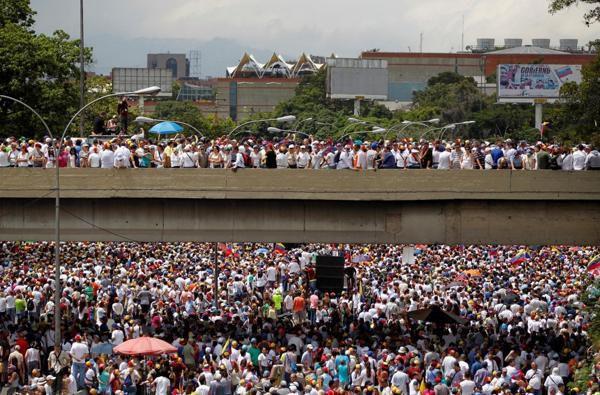 Manifestación en Caracas, el 26 de octubre / Reuters