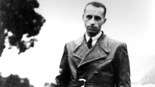 Brunner deportó a decenas de miles de judíos a una muerte segura en los campos de exterminio y dirigió el campo de Drancy, cerca de París