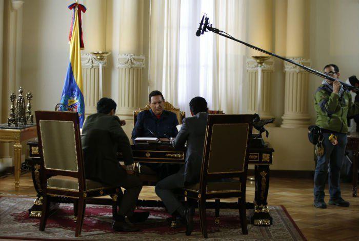 """Maduro, quien, sin mencionar la serie, dijo, durante la presentación de su mensaje anual al país, que """"por ahí van a estrenar una basura, una novela que es una verdadera basura""""."""
