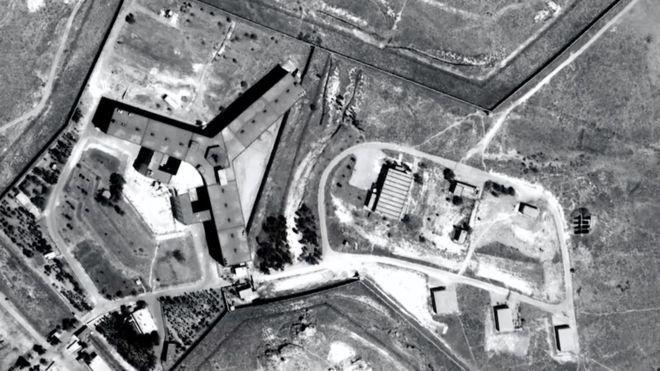 Según Amnistía Internacional, la cárcel de Saydnaya -donde se habrían producido las ejecuciones- puede albergar a entre 10.000 y 20.000 prisioneros/ AMNESTY INTERNATIONAL/FORENSIC ARCHITECTURE