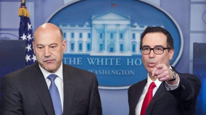 Gary Cohn, director del Consejo Nacional de Economía, y Steven Mnuchin, secretario del Tesoro, anunciaron el plan tributario de Donald Trump.