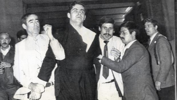 El sacerdote ultraconservador español Juan Fernández Kroh, detenido tras intentar atentar contra Juan Pablo II en Fátima en 1982 - ABC