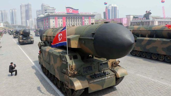 Corea del Norte hizo una demostración de sus misiles balísticos el 15 de abril en Pyongyan.