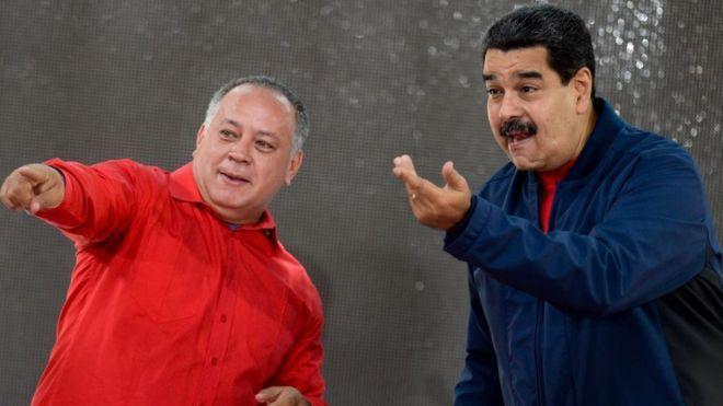 El lunes el presidente Maduro, en la foto junto al diputado Diosdado Cabello (izq), presentó las bases comiciales para la elección de los miembros de la Constituyente/ Getty Images