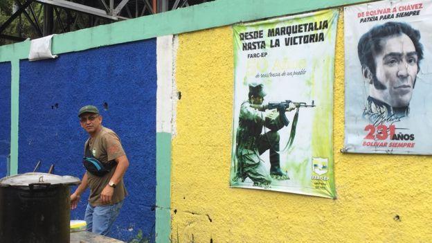 Varios grupo en el 23 de Enero reconocen su cercanía y asociación con las FARC de Colombia.