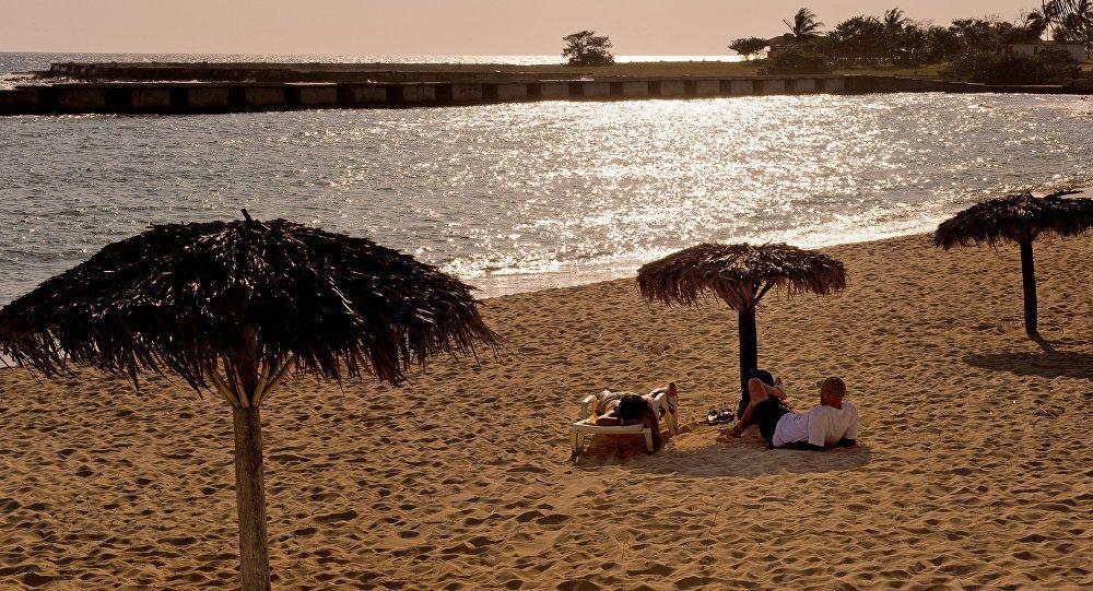 Presidente colombiano promete inversiones en Cuba para dinamizar turismo