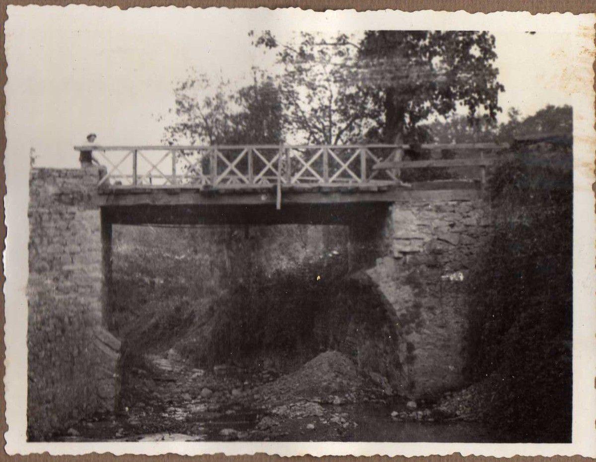 Puente de La Conchita. Un tramo vigas de madera de 6m.