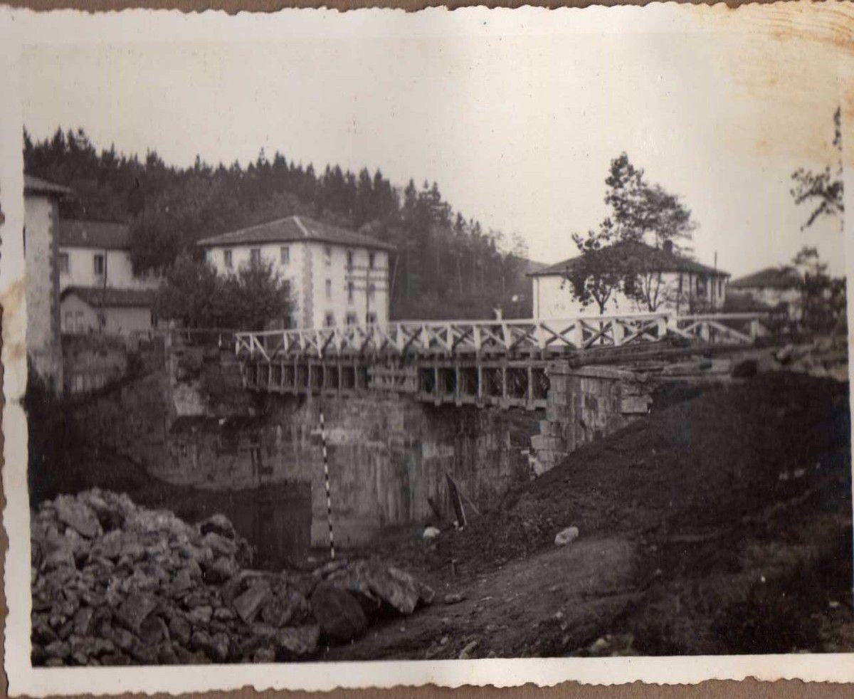Puente de Euba. Dos tramos v/. (vigas) Vallespín de 14 m. cada.