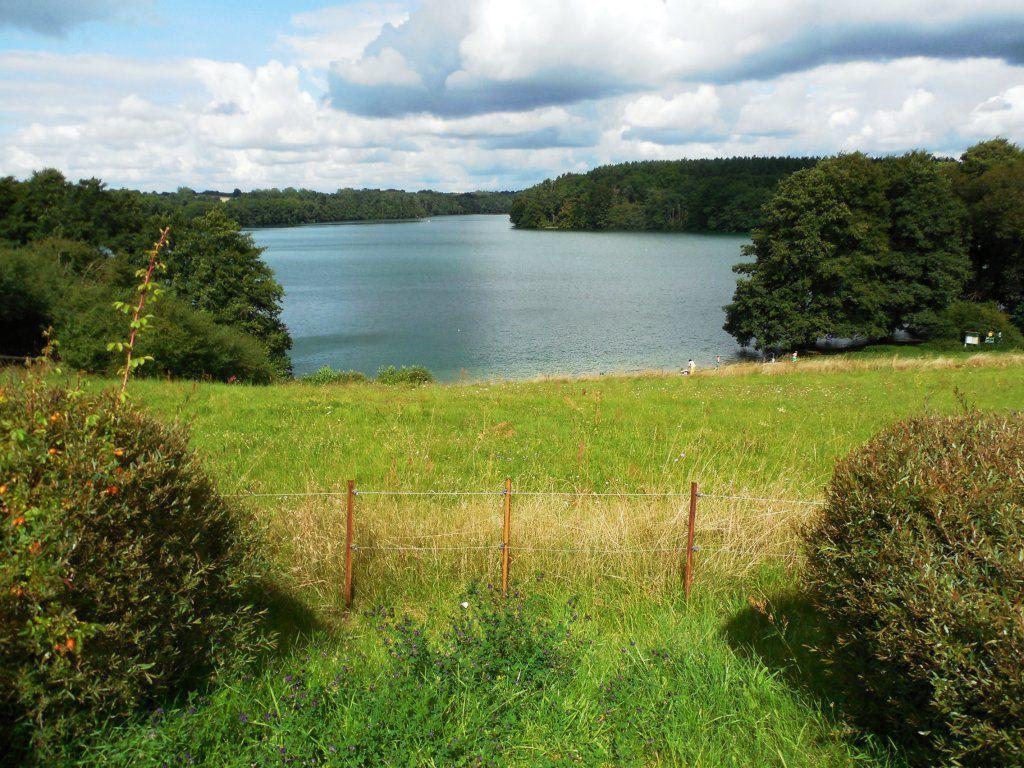 Panoramablick auf den Schmalen Luzin von südlichen Ufer.