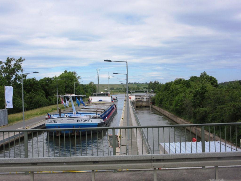 Schleuse Gerlachhausen. Hier endet der 6 km lange Mainkanal.