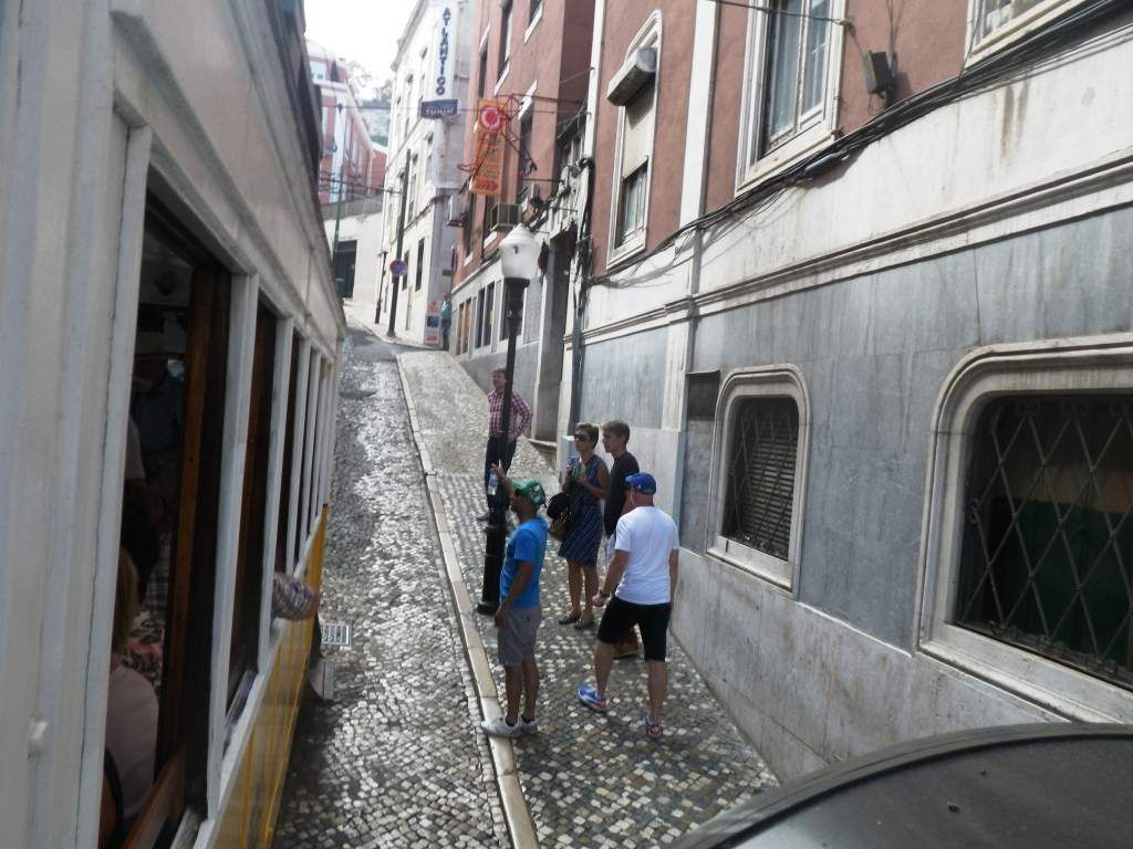 Und noch ne Bahnfahrt, eigentlich eher ein Aufzug ins Bairro Alto.