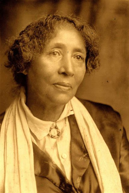Lucy Parsons (1853 - 1942)