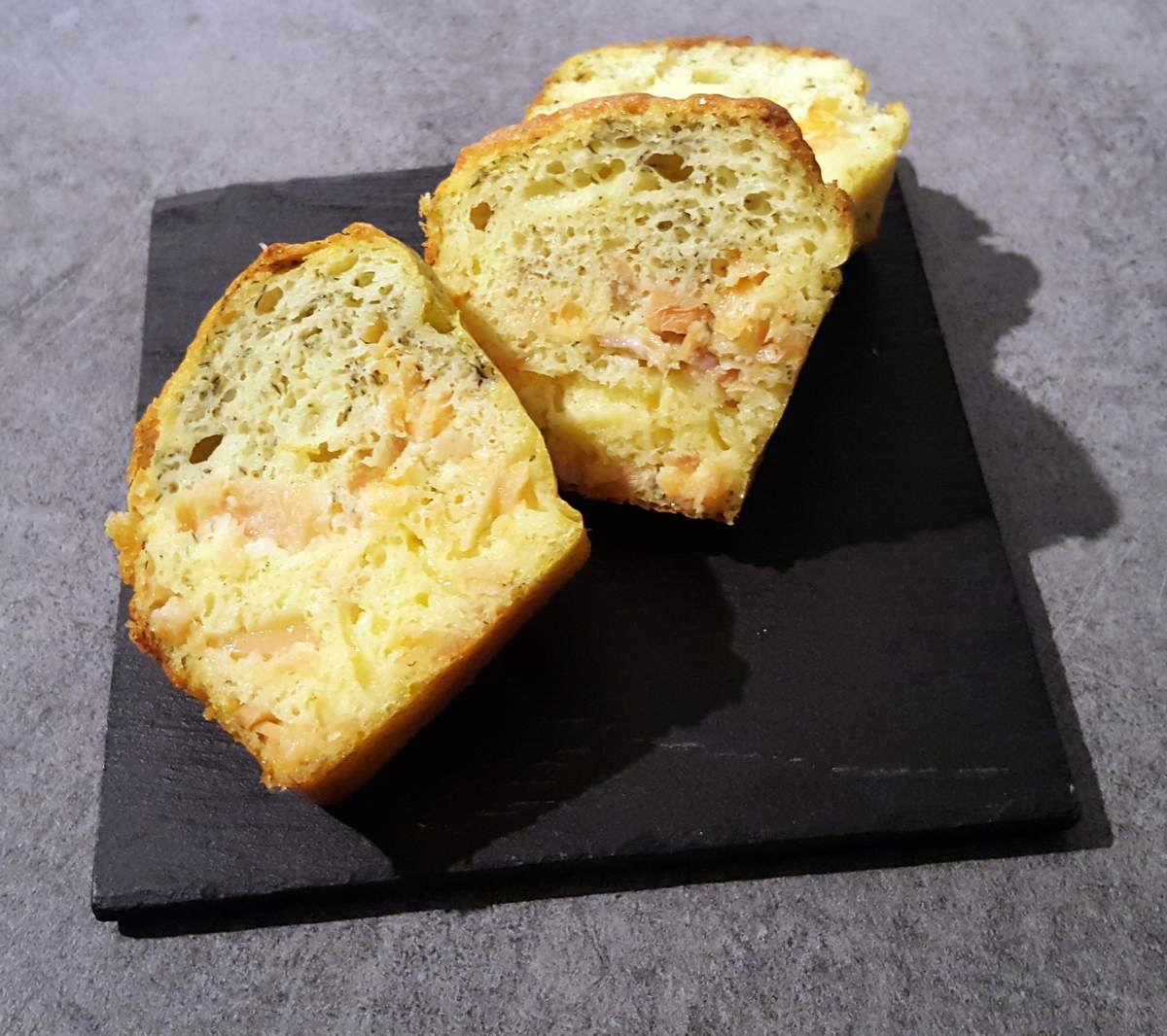 Mini cakes à la truite fumée, citron et aneth