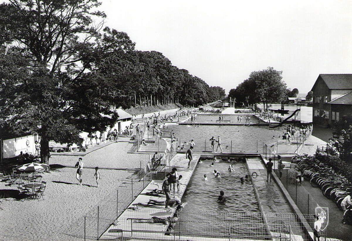 Nevers ni vre c 39 est la vie images d 39 archives for Construction piscine nevers