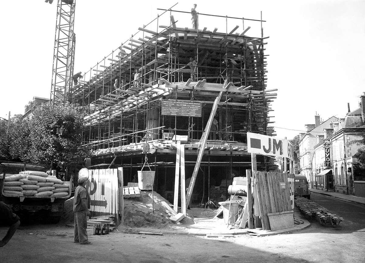 Construction de l'immeuble Jean-Marie Guyot