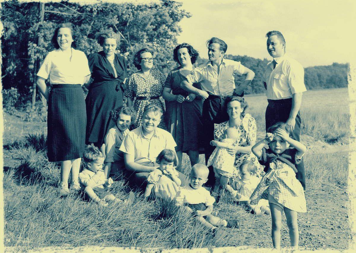 Familles Rivoire - Verat, étang du Merle été 1950