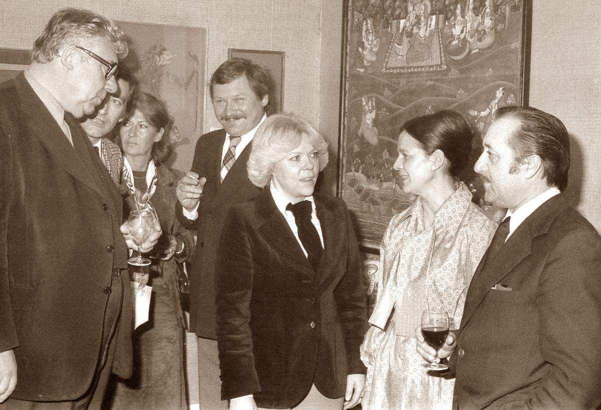 10 mars 1978. Exposition l'Art asiatique par Claudie Brunnarius à la Galerie 7 à Pougues. Nicolas Boon à gauche et Maurice Bardin à droite.
