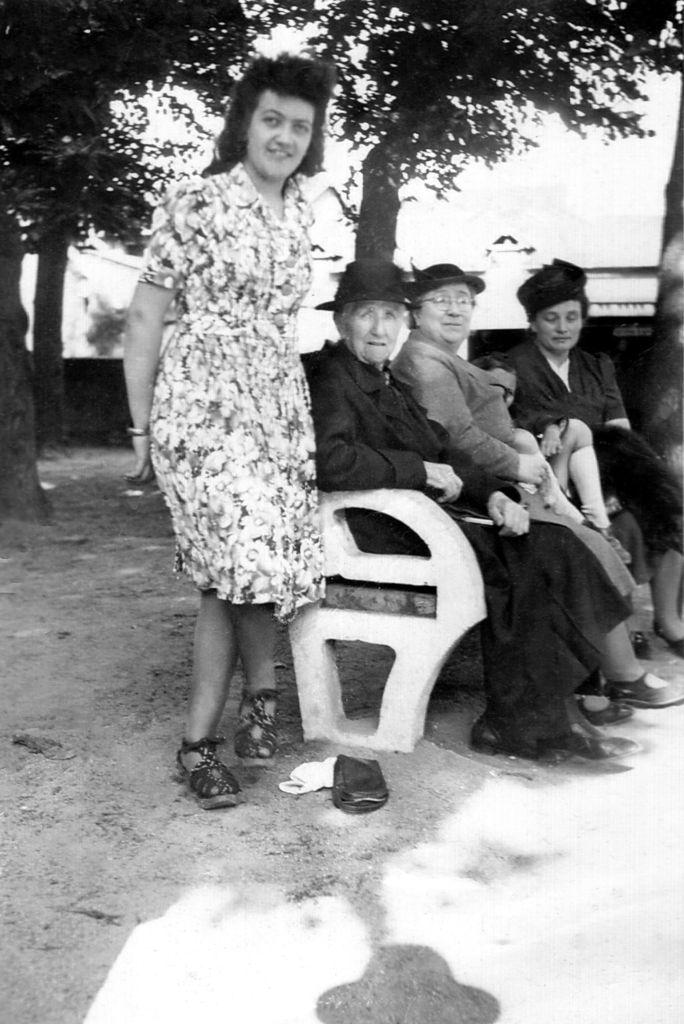 1949 Familles Rivoire et Vérat