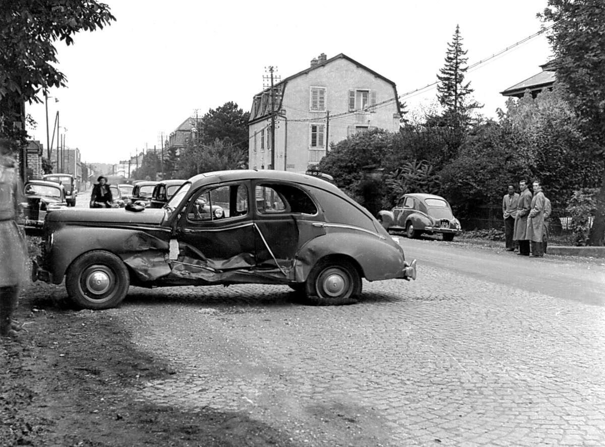 L'accident de Lucienne en octobre 1953 - Montbéliard, avenue Chabaud.