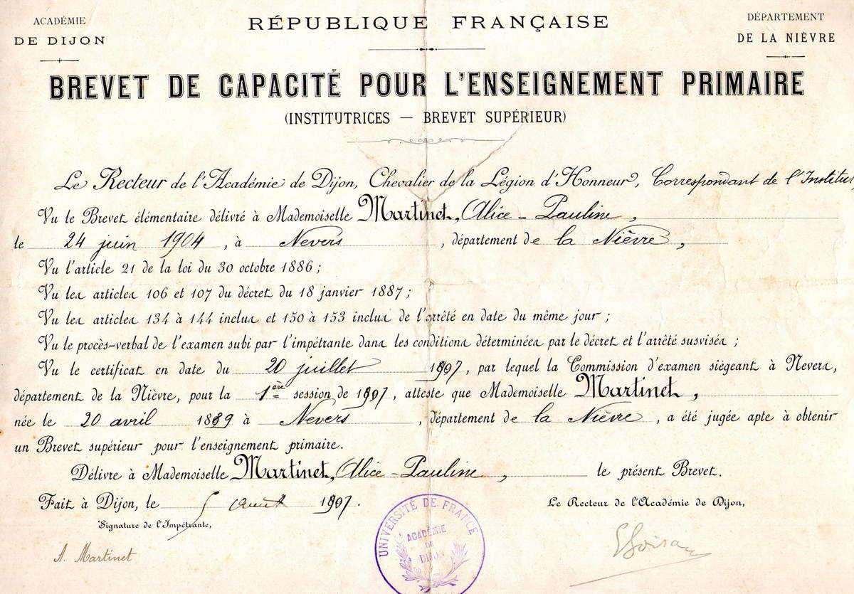 En août 1907 Alice obtient son Brevet de capacité