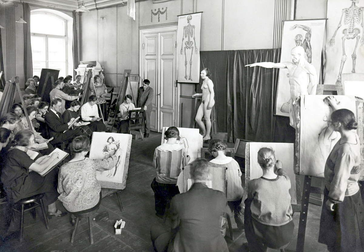 Lindh - Life drawing class