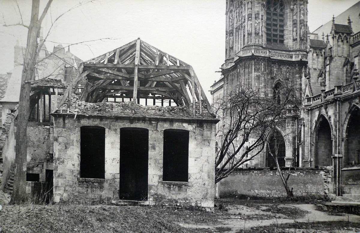 Bombardement du 16 juillet 1944 c 39 est la vie images d for Garage peugeot nevers