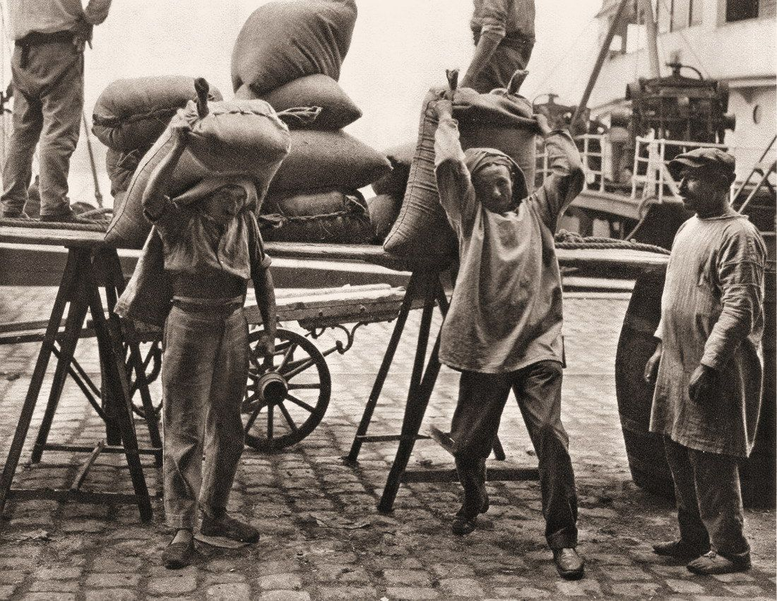 1930, dans le Port